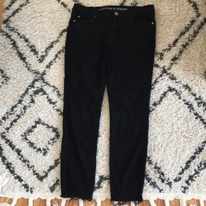 Articles of society size 31 distressed w slit hem